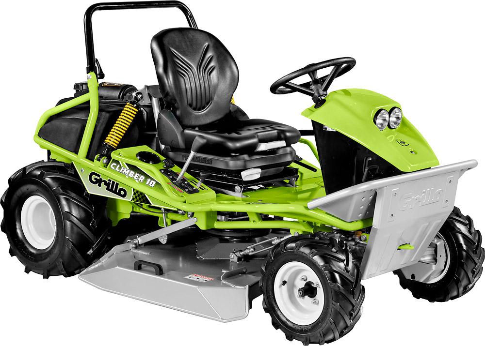 Kosiarka komunalna FD 2200 4WD - wersja opcjonalna z kosiarką bijakową
